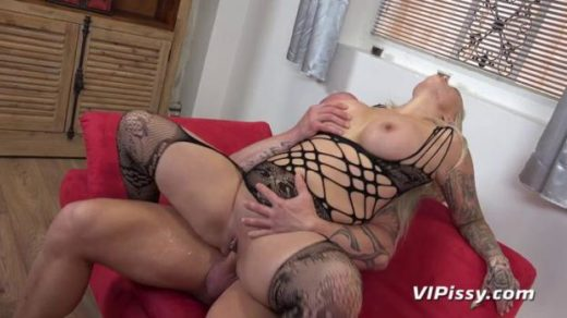 httpst39.pixhost.tothumbs234137215490_vipissy 20 02 18 louise lee blonde bombshell xxx mp4 sdclip cover
