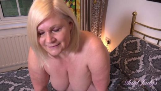 06 04 auntie lacey seduction and jerk off instruction
