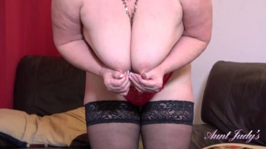 06 15 seducing auntie lacey pov