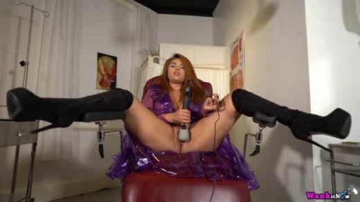 07 05 mandy foxxx room off naughtiness