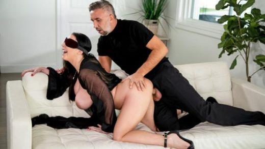 BrazzersExxtra – Angela White – Blindfolded Fantasy