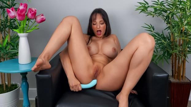 DayWithAPornstar – Lexi Luna – Lexi Wants You To Cum Over