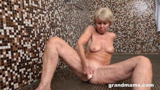 GrandMams – Romana – 70 Year Old Slut Gets Wet