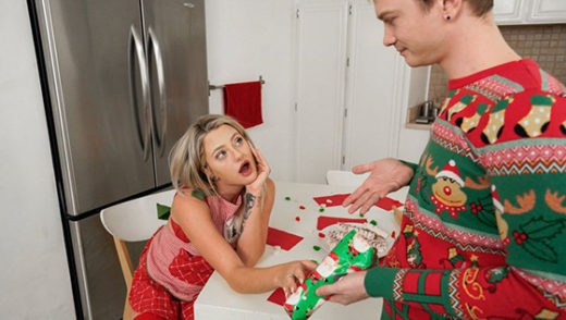 OnlyTeenBlowJobs – Harmony Rivers – A Christmas Cocksuck