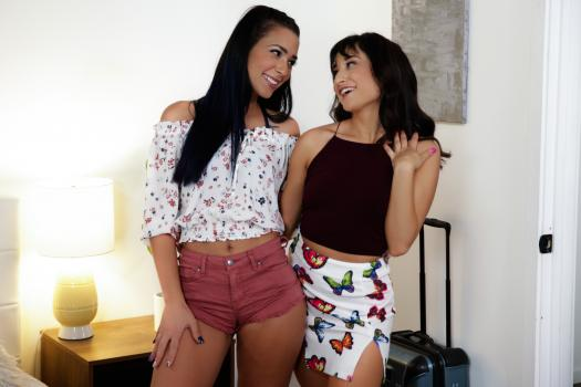 WebYoung – Isabella Nice And Jaye Summers – Back In Town
