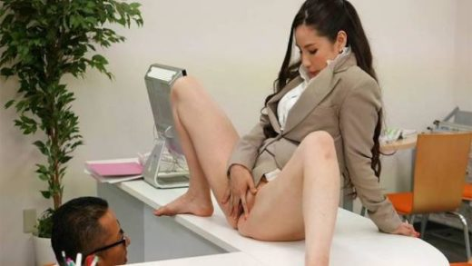 JapanHDV – Ai Kamijou – New Office Lady Ai Kamijou shows her pussy to her boss and then sucks his cock