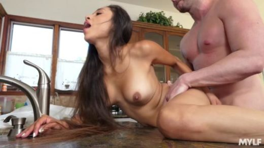 Milfty – Cali Lee – Cleaning Leads To Delicious Mess