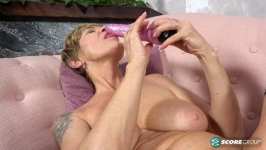 PornMegaLoad – Nicol Mandorla – Toy Time For A Red-Hot 61-Year-Old