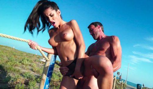 PublicBang – Natasha La Piedra – Natasha Gone Wild in Public
