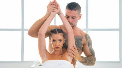 MassageRooms – Mina Moreno – Sexy senorita given sensual thrills