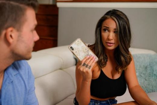 MommyBlowsBest – Sofi Ryan – Your Dads Cellphone