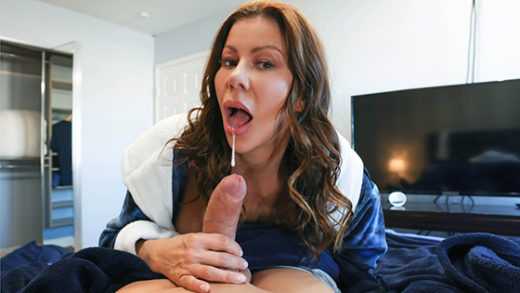 [MilfsLikeItBig] Alexis Fawx (Cleaning The College Guys Cock / 04.25.2021)