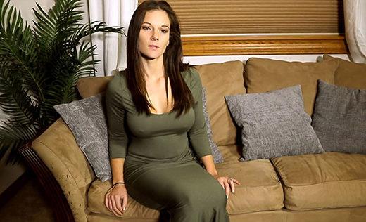 [MylfXMandyFlores] Mandy Flores (Sexbot Housewife / 04.22.2021)