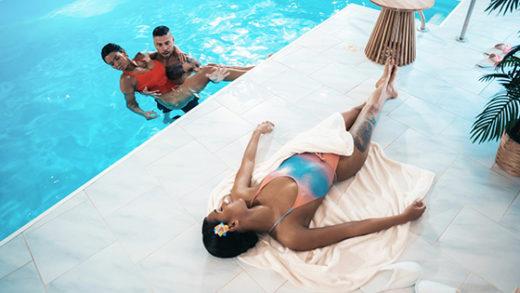 [FitnessRooms] Chloe Lamour, Capri Lmonde (Hot wet threesome with Italian teen / 05.13.2021)