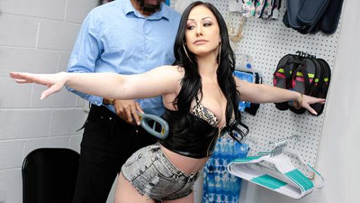 [ShoplyfterMylf] Jennifer White (She's Ready For It / 05.08.2021)