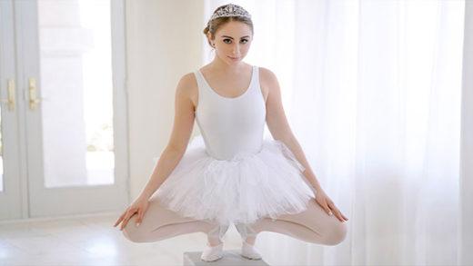 [ExxxtraSmall] Penelope Kay (Stretchy Lil Dancer / 06.10.2021)
