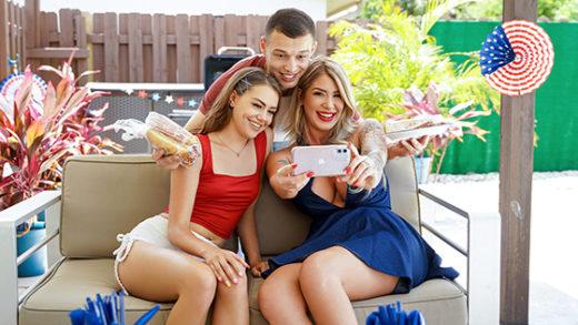 [FamilyStrokes] Selena Love, Lolly Dames (4th Of July Wiener / 07.01.2021)