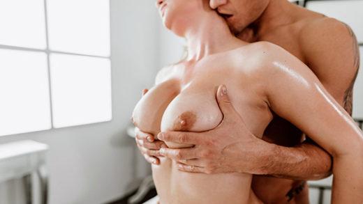 [MassageRooms] Katarina Rina (Big tits redhead given oil massage / 07.17.2021)