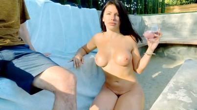 A regular naked day on stream