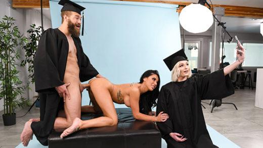 [BrazzersExxtra] Gianna Grey (Graduating Tits / 08.23.2021)