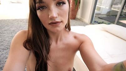 Mia, casting